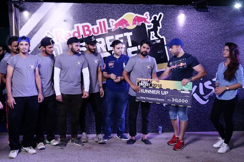 Street Cricket Being Such A Prevalent Sport The Tournament Arranged By Red Bull Got Massive Response From Both Media And Karachi Streets Denizens