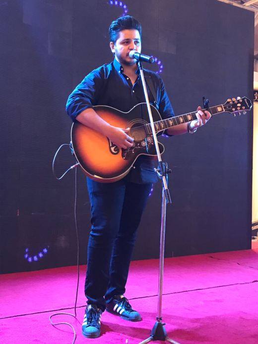 Raafay Israr treating the audience with his soulful and powerful vocals at the 2nd Pakistan Excellence Awards