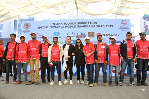 Shahzain Munir, Director of EBM seen with Special Olympics Pakistan Team at 4th Unified Marathon Winners (1)